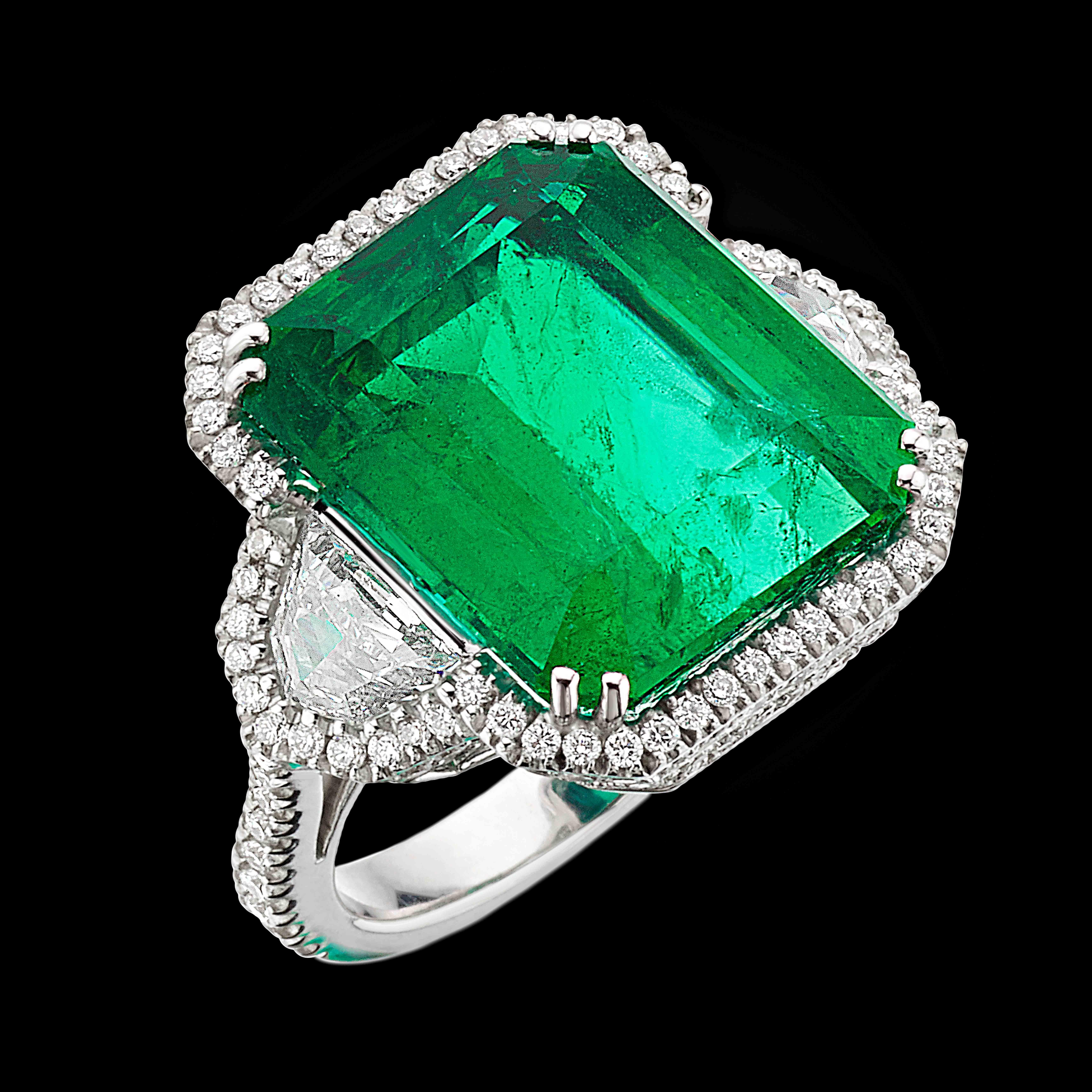 sfondo green Massimo Raiteri emerald etiopia colombian minor anello ring diamonds unique jewellery